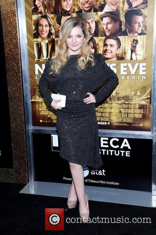 Abigail Breslin and Ziegfeld Theatre 10