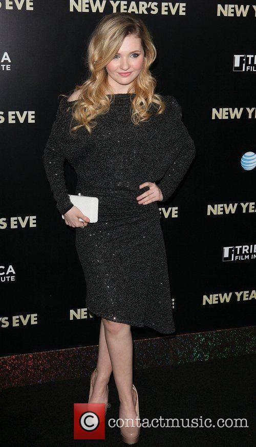 Abigail Breslin and Ziegfeld Theatre 8
