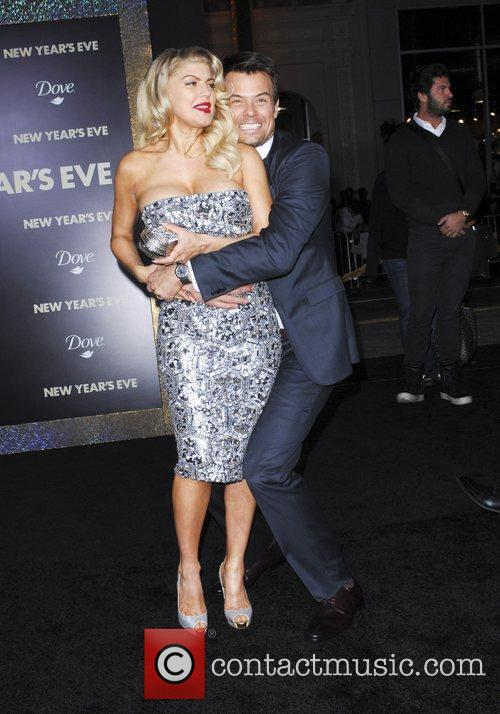 Josh Duhamel, Fergie and Grauman's Chinese Theatre 7