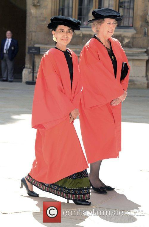 Aung San Suu Kyi vsits the Sheldonian Theatre...