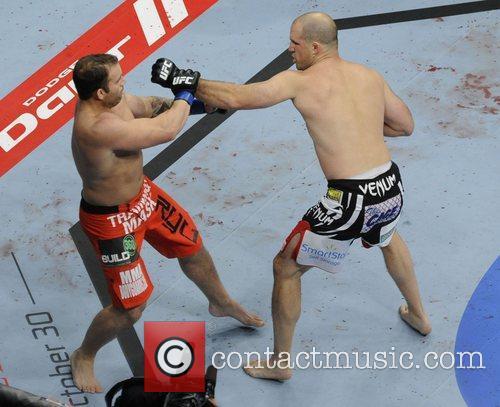 Matt Hamill vs Roger Hollett  UFC 152...