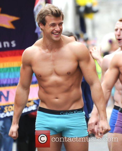 pornoo gay male escort birmingham
