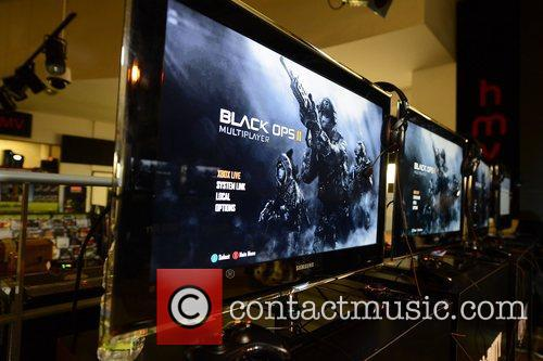 Gamers at the midnight launch of 'Call of...