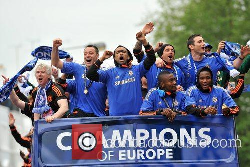 John Terry, Frank Lampard and Salomon Kalou 8