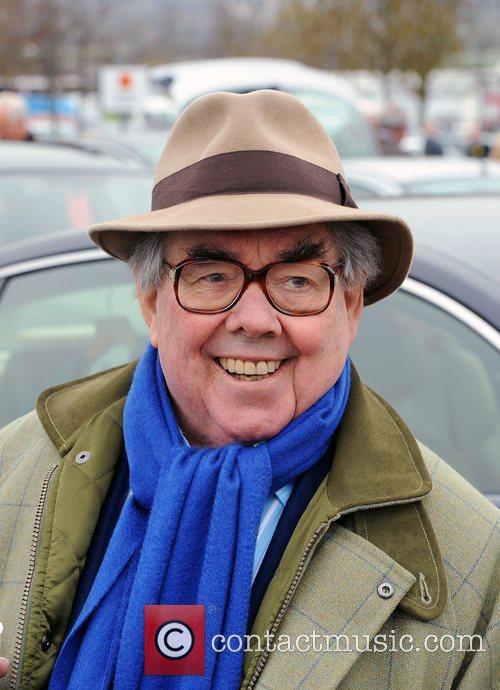 Ronnie Corbett at Cheltenham Horseracing - Cheltenham Festival...