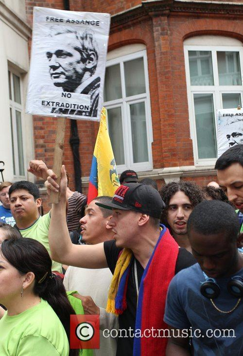 Atmosphere Protesters gather outside the Ecuadorian Embassy where...