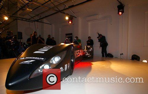 Nissan DeltaWing racer unveiled - Photocall
