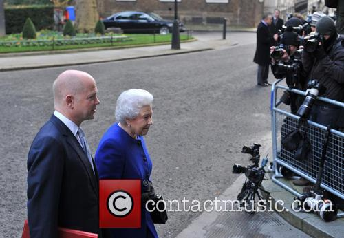 Queen Elizabeth and William Hague 8