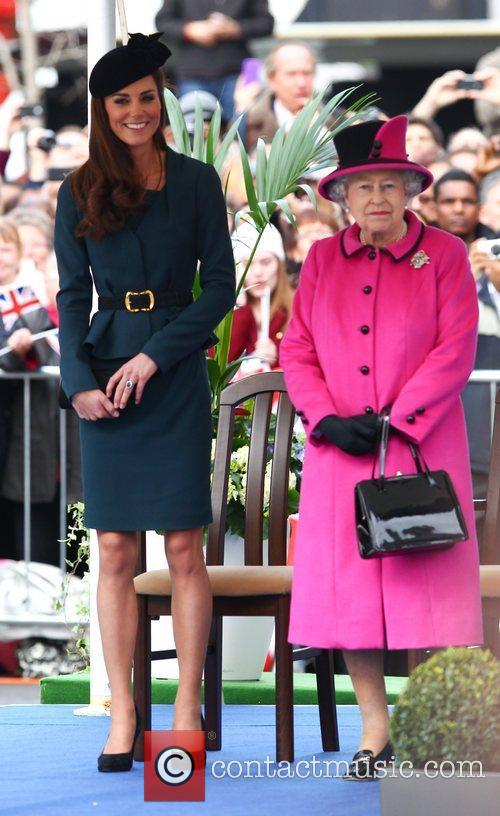 Queen Elizabeth Ii, Duchess and Kate Middleton 4