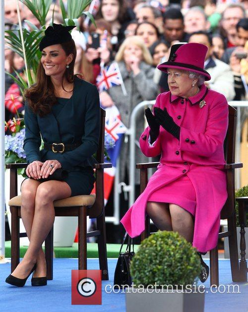 Queen Elizabeth II, Duchess and Kate Middleton 13