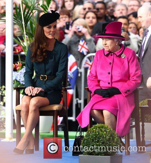 Queen Elizabeth II, Duchess and Kate Middleton 14