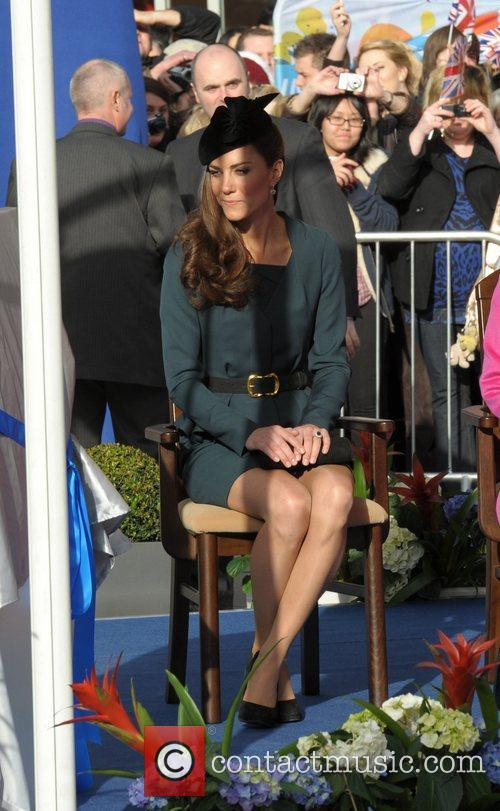 Queen Elizabeth II, Duchess and Kate Middleton 18