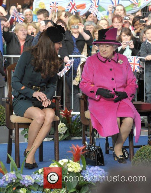 Queen Elizabeth II, Duchess and Kate Middleton 20