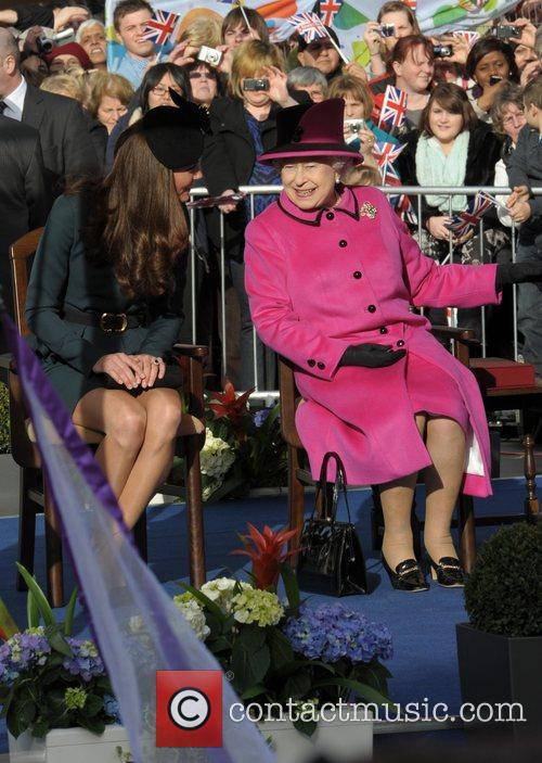 Queen Elizabeth II, Duchess and Kate Middleton 22