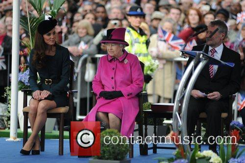 Queen Elizabeth II, Duchess and Kate Middleton 24