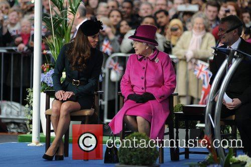 Queen Elizabeth II, Duchess and Kate Middleton 25