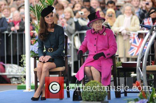 Queen Elizabeth II, Duchess and Kate Middleton 26