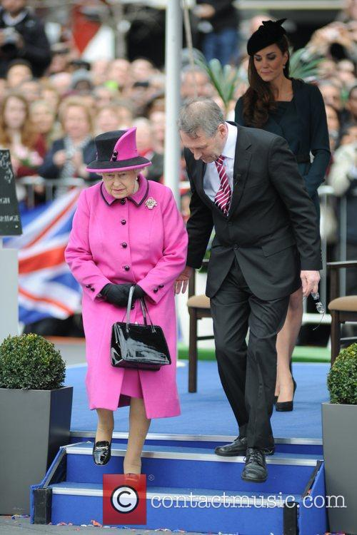 Queen Elizabeth II, Duchess and Kate Middleton 28