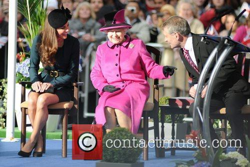 Queen Elizabeth II, Duchess and Kate Middleton 31