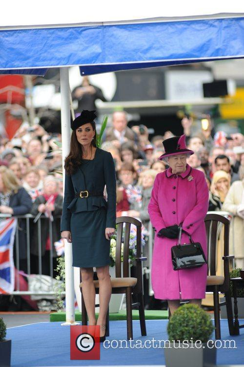 Queen Elizabeth II, Duchess and Kate Middleton 32