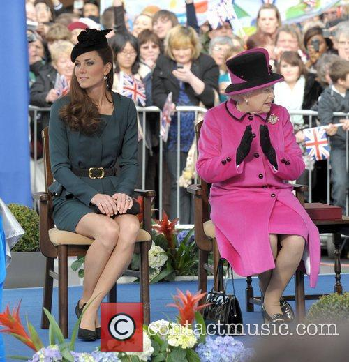 Queen Elizabeth II, Duchess and Kate Middleton 37