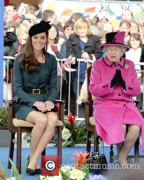 Queen Elizabeth II, Duchess and Kate Middleton 38