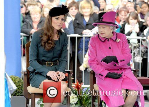 Queen Elizabeth II, Duchess and Kate Middleton 39