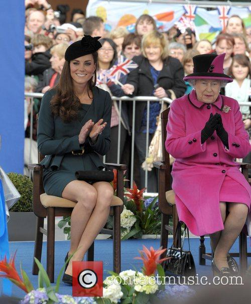 Queen Elizabeth II, Duchess and Kate Middleton 42