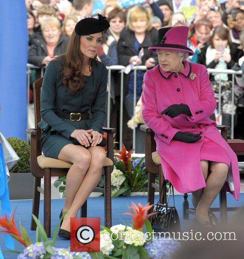 Queen Elizabeth II, Duchess and Kate Middleton 44