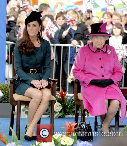 Queen Elizabeth II, Duchess and Kate Middleton 47