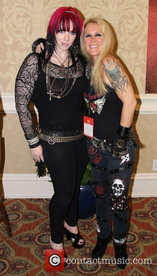 Constance Hall and Lita Ford Spooky Empire Autograph...