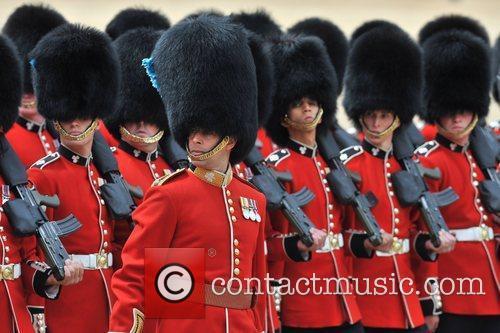 Atmosphere and Queen Elizabeth II 8