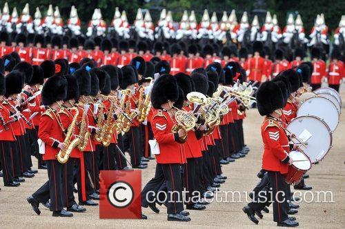 Atmosphere and Queen Elizabeth II 9