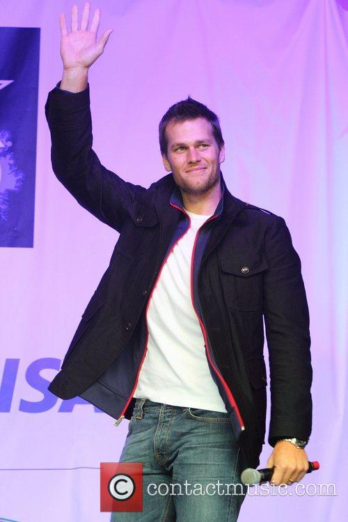 New England Patriots Quarterback, Tom Brady, Trafalgar Square and Wembley Stadium 2