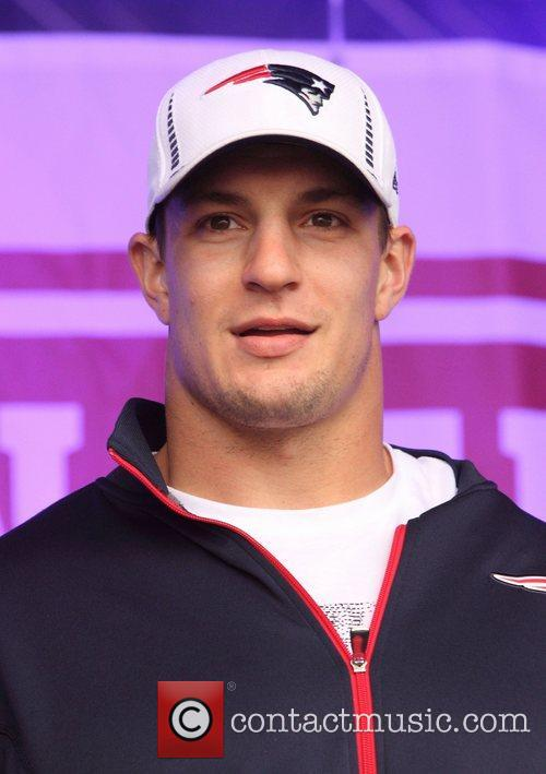 New England Patriots Tight, End Rob Gronkowski, Trafalgar Square and Wembley Stadium 3