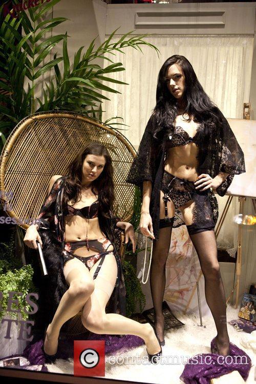 Models Mercedes-Benz Fashion Week - Fall 2012 -...