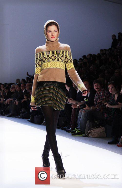 Model and Charlotte Ronson 3