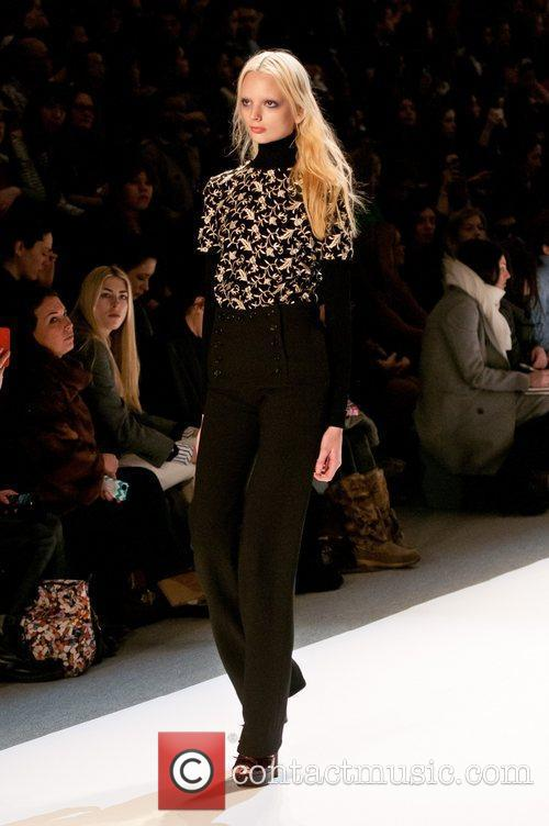 Model Mercedes-Benz Fashion Week Fall 2012 - Jill...