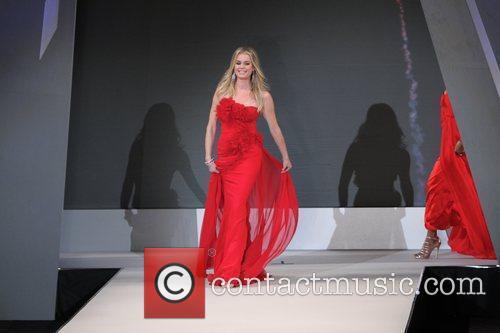 Rebecca Romijn 2