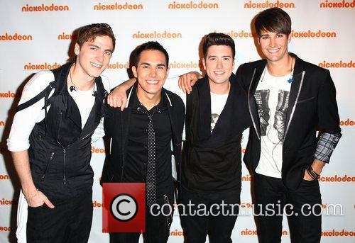 Carlos Pena, Big Time Rush, James Maslow and Logan Henderson 1
