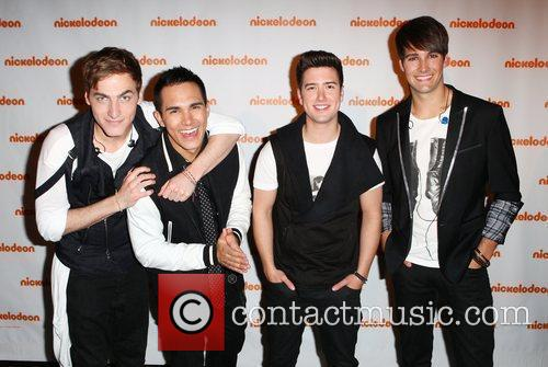 Carlos Pena, Big Time Rush, James Maslow and Logan Henderson 3