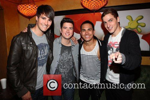 Carlos Pena, Big Time Rush, James Maslow and Logan Henderson 5