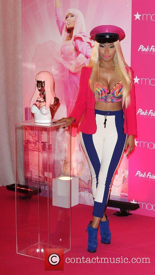 nicki minaj launches her new fragrance pink 4097209