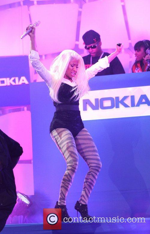 Nicki Minaj and Times Square 5