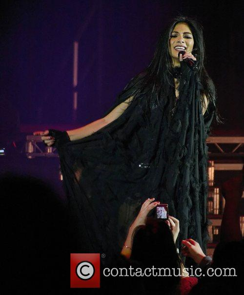 Nicole Scherzinger and Hammersmith Apollo 6