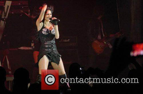 Nicole Scherzinger and Hammersmith Apollo 11