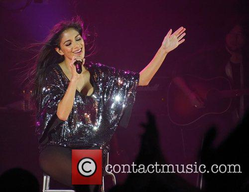 Nicole Scherzinger and Hammersmith Apollo 15