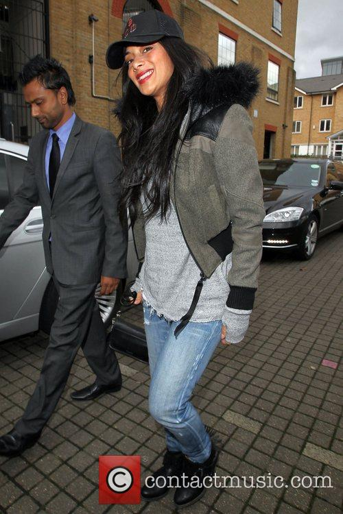 a casually dressed nicole scherzinger arrives at 4149720