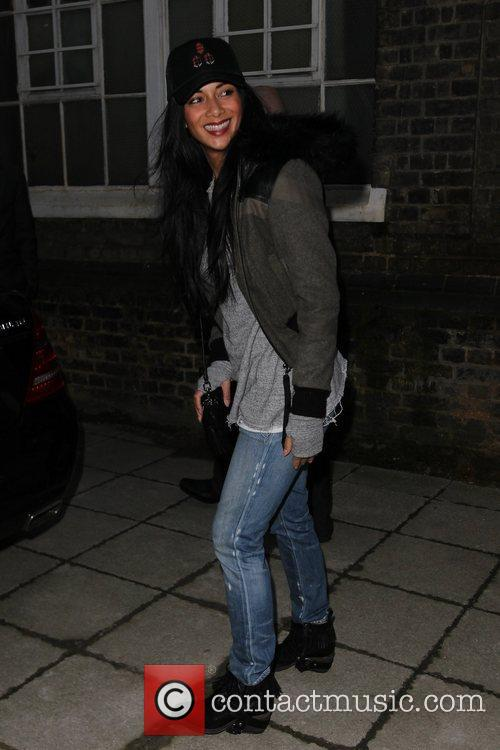 a casually dressed nicole scherzinger with fans 4149907
