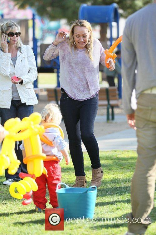 Nicole Sullivan enjoys some family time with her...